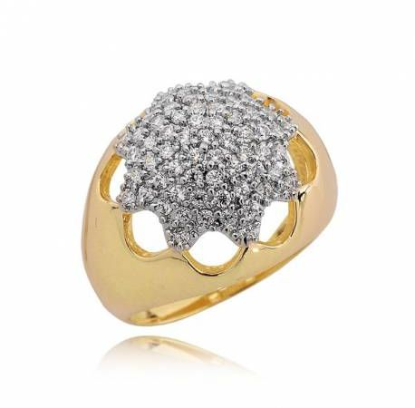 Złoty pierścionek ze wzorem gwiazdy
