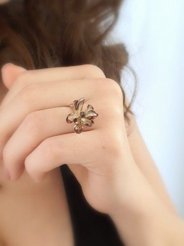 Pierścionek srebrny - Magnolia brązowa mała