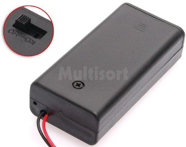 Zamykany pojemnik na 2 baterie R6 z przewodami i wyłącznikiem