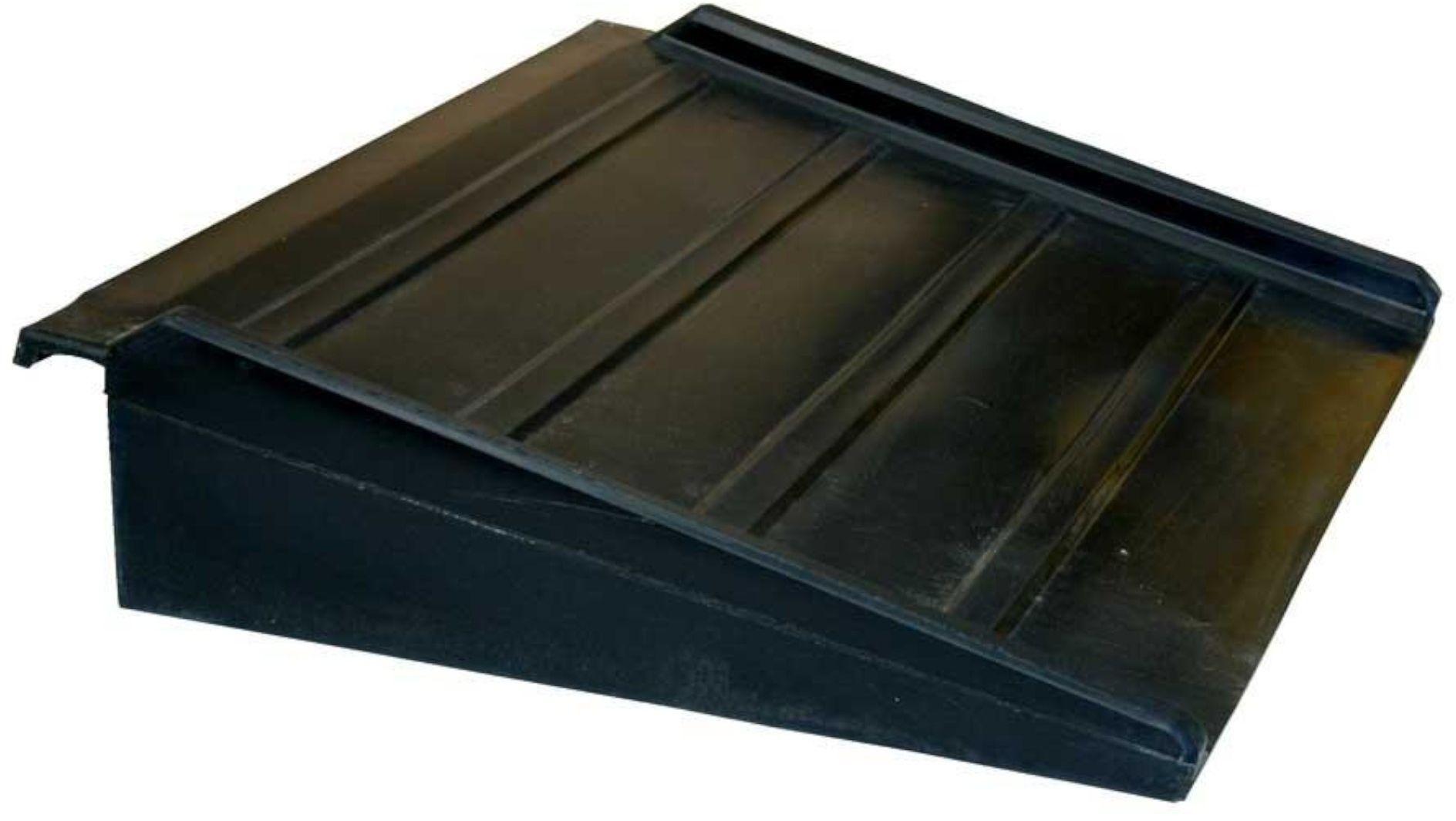 Rampa najazdowa do platform wychwytowych, polietylenowa 65x80x16 cm