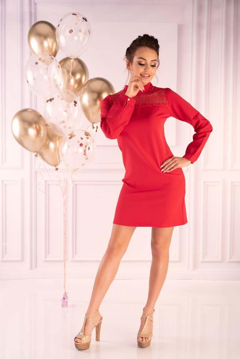 Czerwona wizytowa sukienka z koronkowym karczkiem
