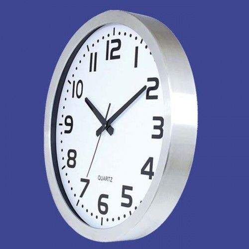 Zegar ścienny ze stali matt