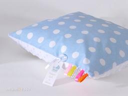 MAMO-TATO Poduszka Minky dwustronna 30x40 Grochy niebieskie / biały
