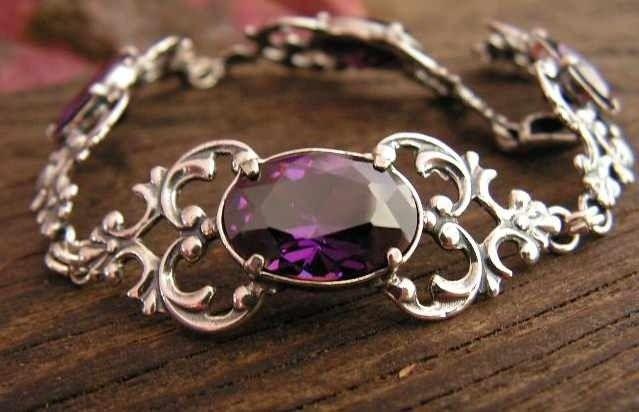 Violet - srebrna bransoletka z ametystem