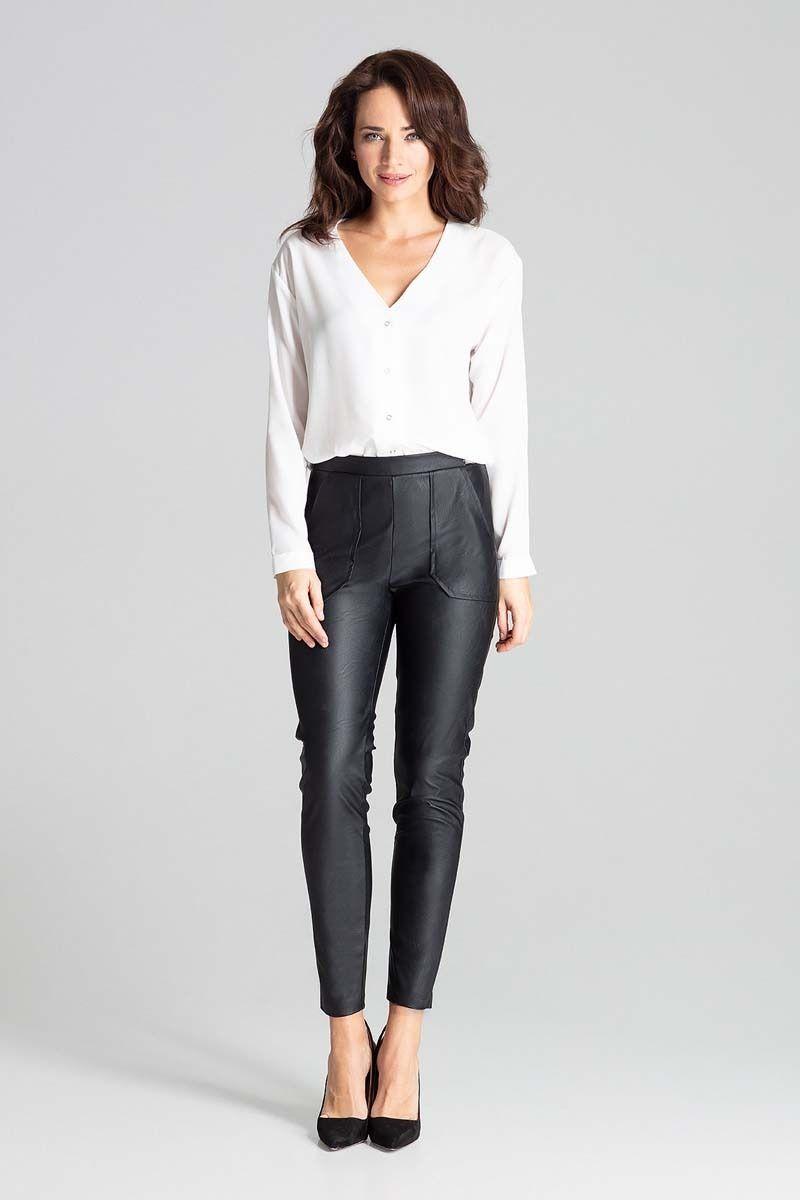 Czarne dopasowane spodnie skórzane na gumie