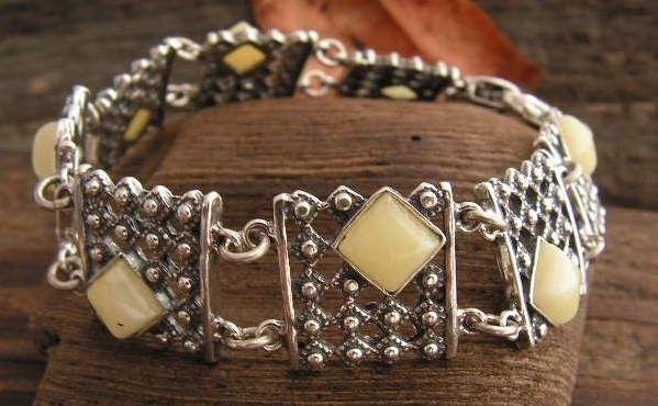 Lebia - srebrna bransoletka z bursztynem