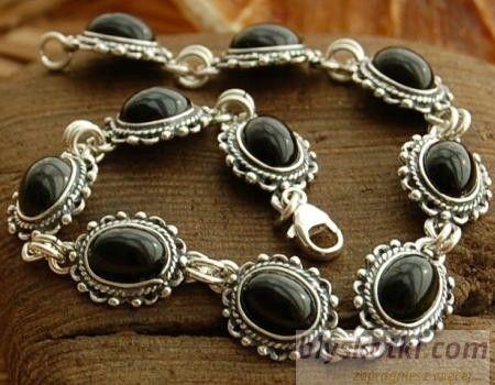 Kerma - srebrna bransoletka z onyksem