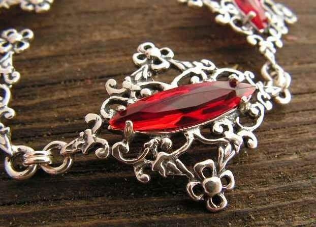 Melissa - srebrna bransoletka z rubinem