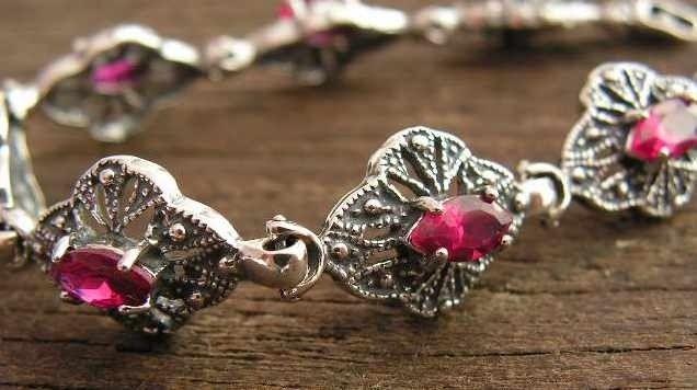 Martha - srebrna bransoletka z rubinem