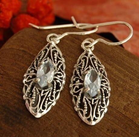 Ripoli - srebrne kolczyki z naturalnym akwamarynem