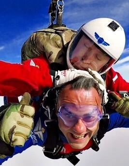 Skok ze spadochronem  Piotrków Trybunalski