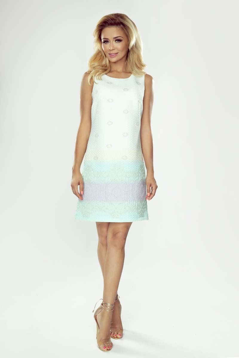 Pastelowa sukienka koktajlowa z haftem