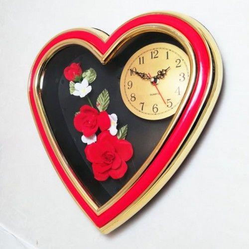 Zegar ścienny w kształcie serca