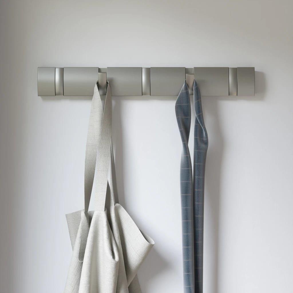 Wieszak na ubrania Flip 5 nikiel