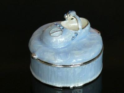 Szkatułka bucik prezent na chrzest