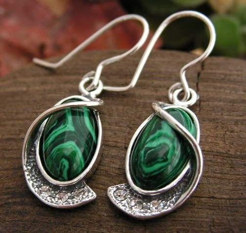 Vadio - srebrne kolczyki z malachitem i kryształkami