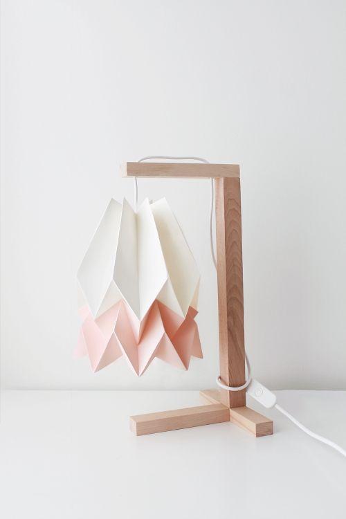 Lampa stołowa Table Polar White/Pastel Pink Orikomi biało-różowa oprawa w minimalistycznym stylu