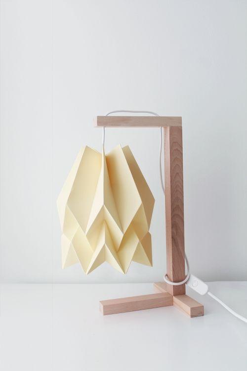 Lampa stołowa Table Pale Yellow Orikomi żółta oprawa w minimalistycznym stylu
