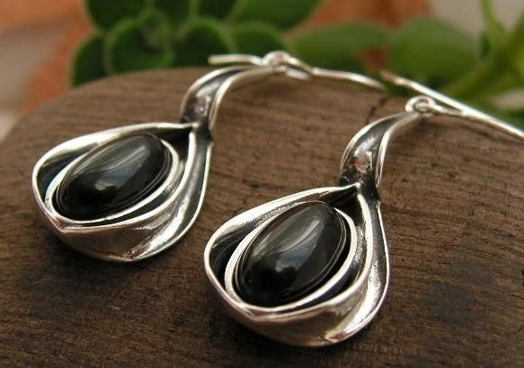 Intensa - srebrne kolczyki z onyksem