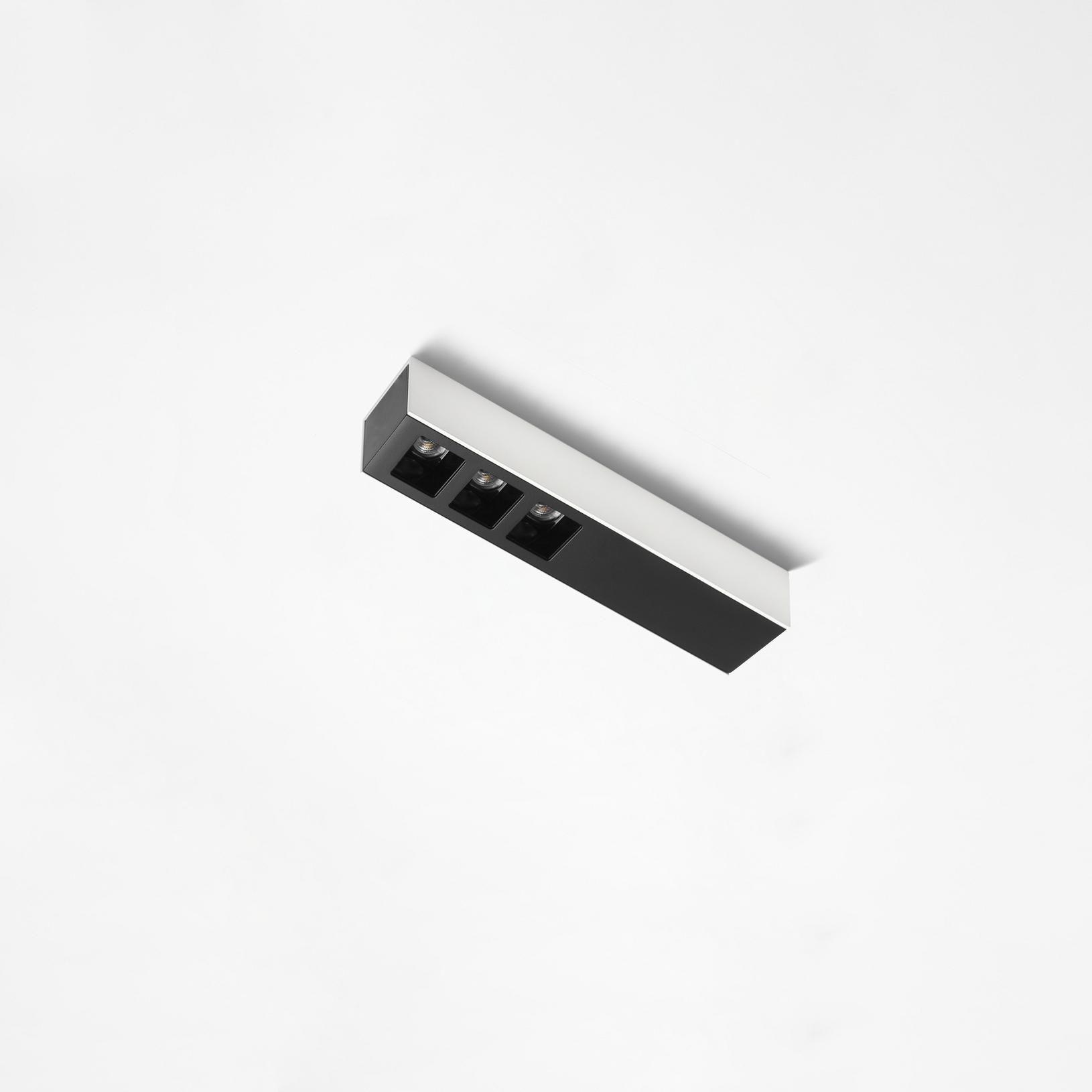 Oprawa natynkowa Dota NT Long 40.3 LED 3.2187 Labra potrójna oprawa w nowoczesnym stylu
