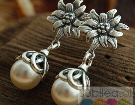 Kwiatowe perłowe - srebrne kolczyki z perłami