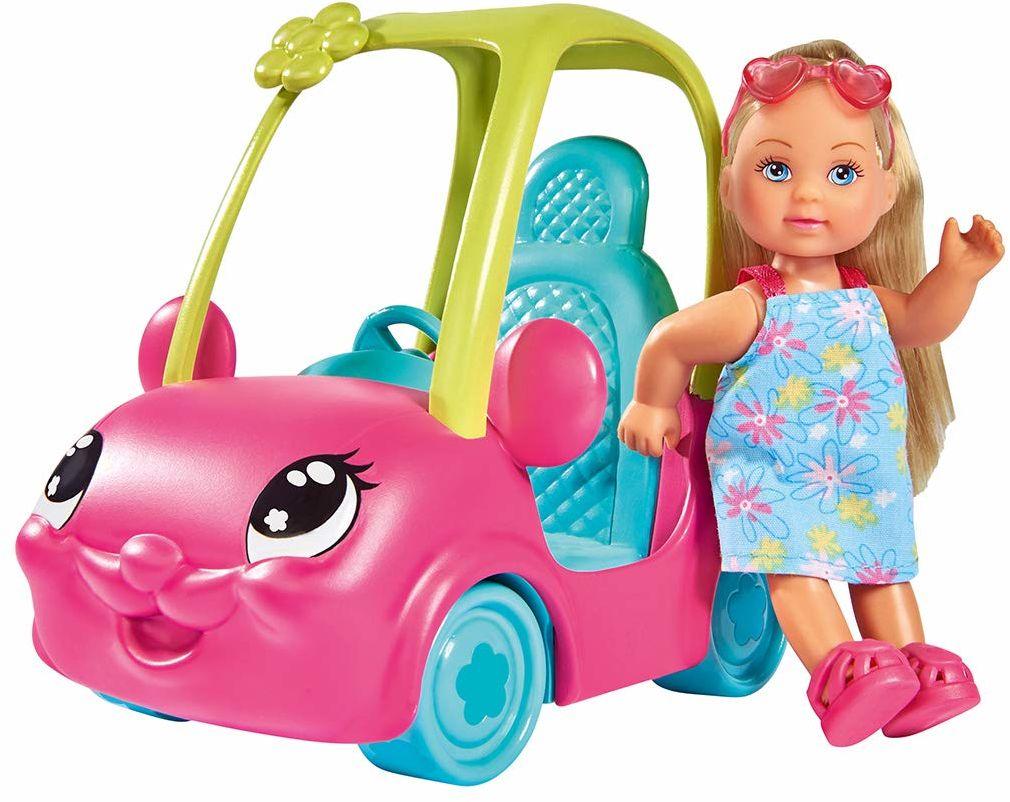 Evi w zabawnym autku