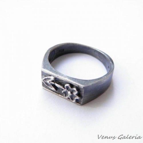 Pierścionek srebrny oksydowany- Polny kwiat