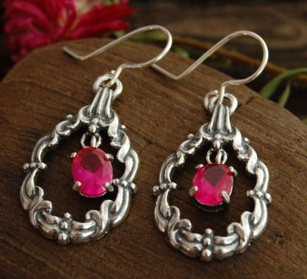 Arella - srebrne kolczyki z rubinem