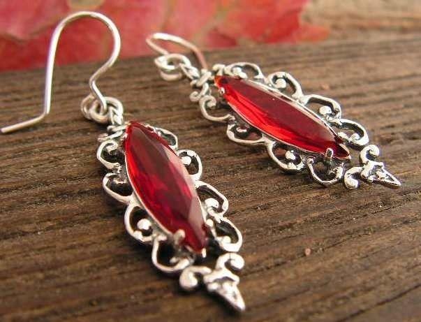 Sanvera - srebrne kolczyki z rubinami