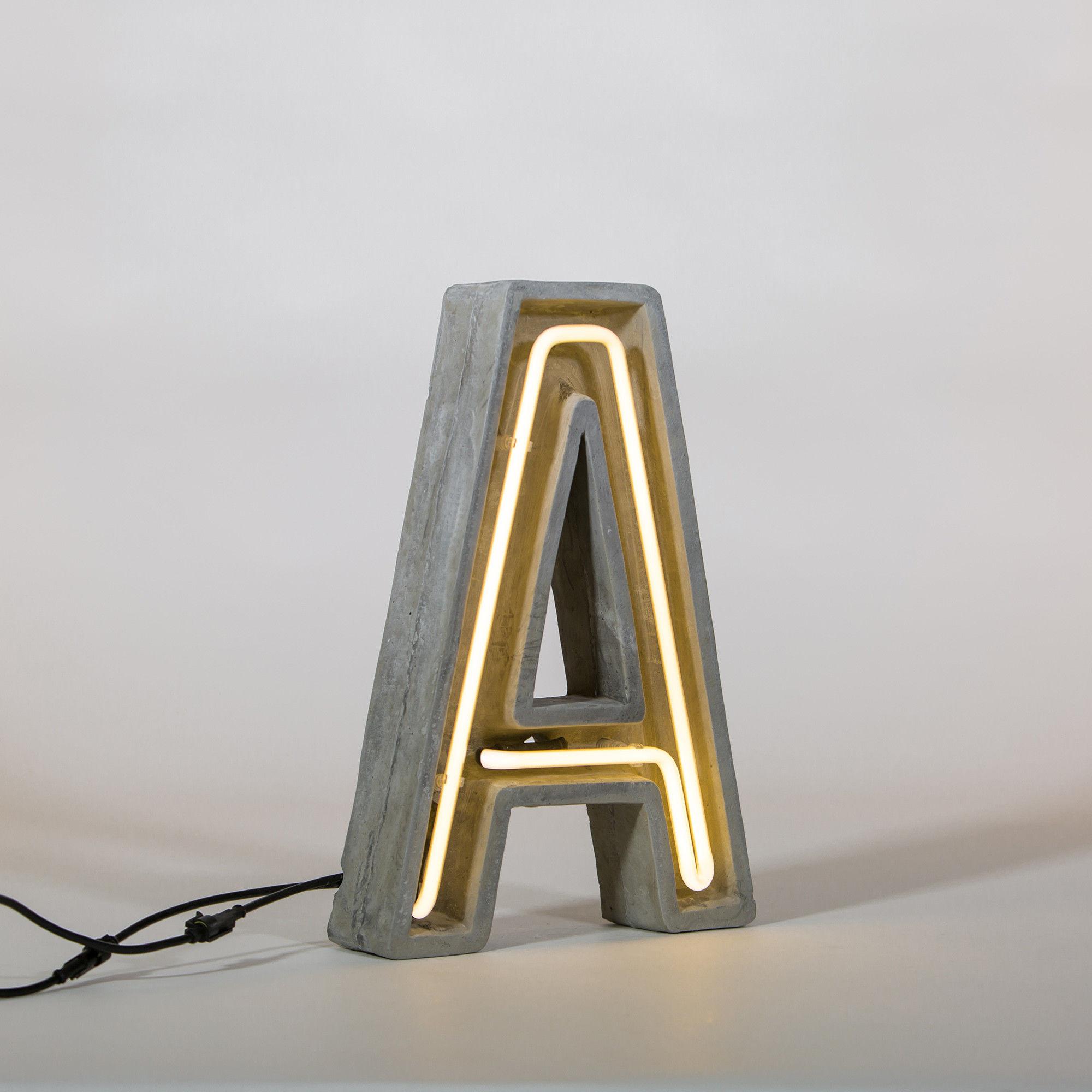 ALPHACRETE - litery neonowe