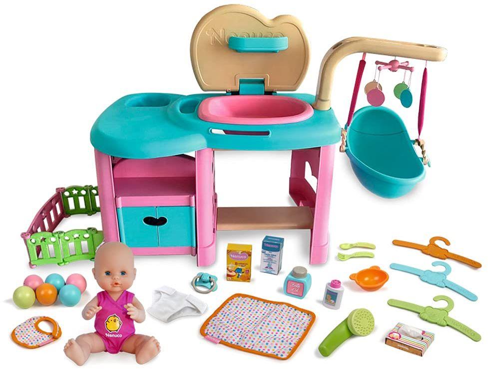 Nenuco - Maxi Care, lalka dziecięca z centrum pielęgnacji z podkładką, podkładką do przewijania i prysznicem i akcesoriami, All-in-One (Famosa 700015777)