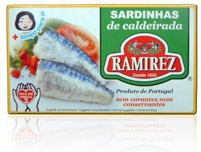 Sardynki portugalskie duszone z warzywami w białym winie 125g Ramirez