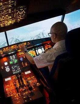 Lot w symulatorze lotu  Warszawa