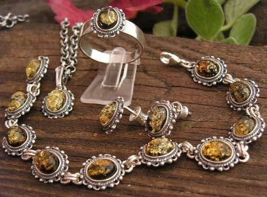 Adyga - srebrny komplet z bursztynem
