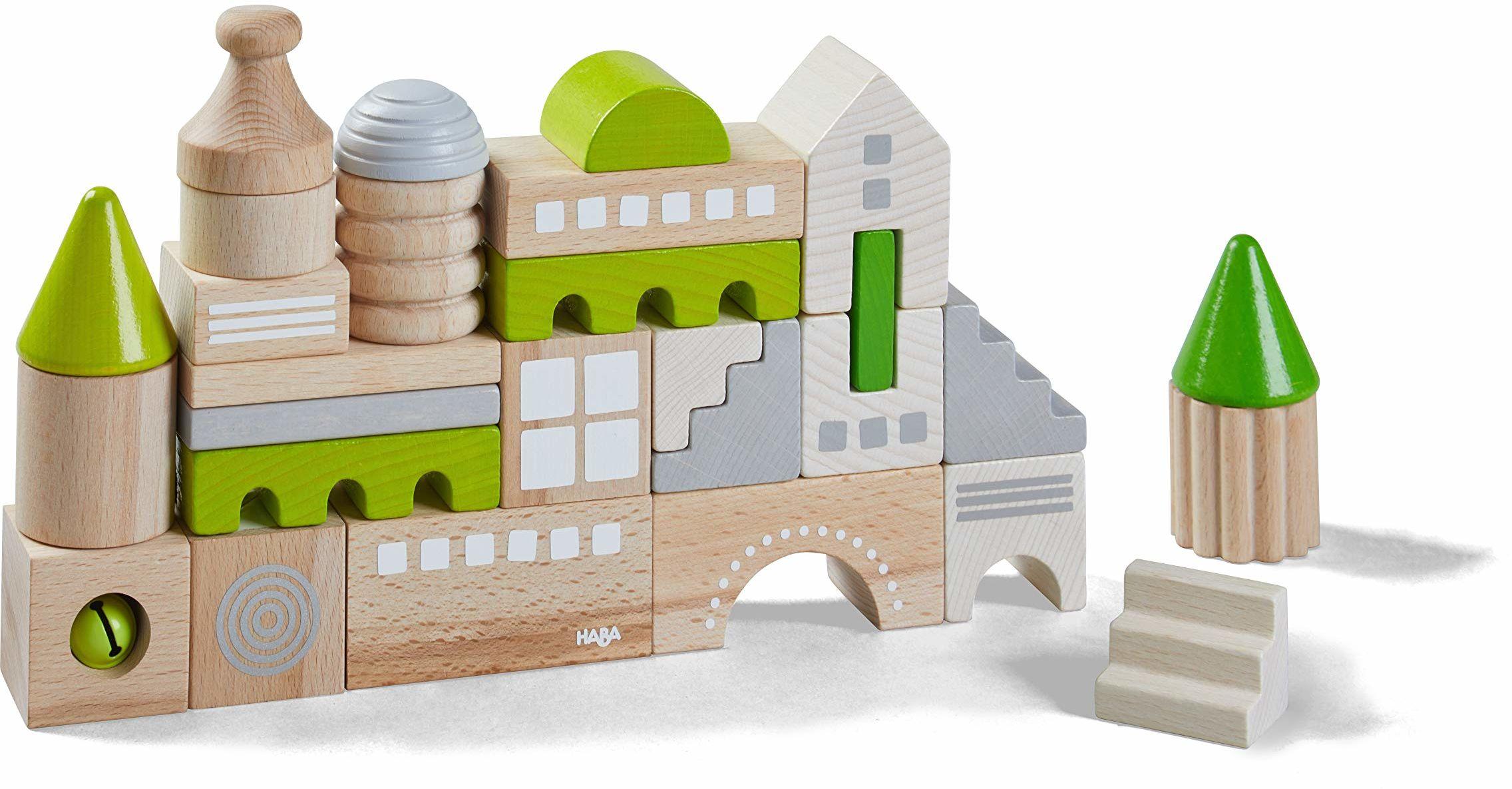 HABA 305456  klocki Coburg, 28-częściowy zestaw klocków do budowania ulic miejskich, drewnianych klocków w różnych kształtach i kolorach, zabawka od 18 miesięcy