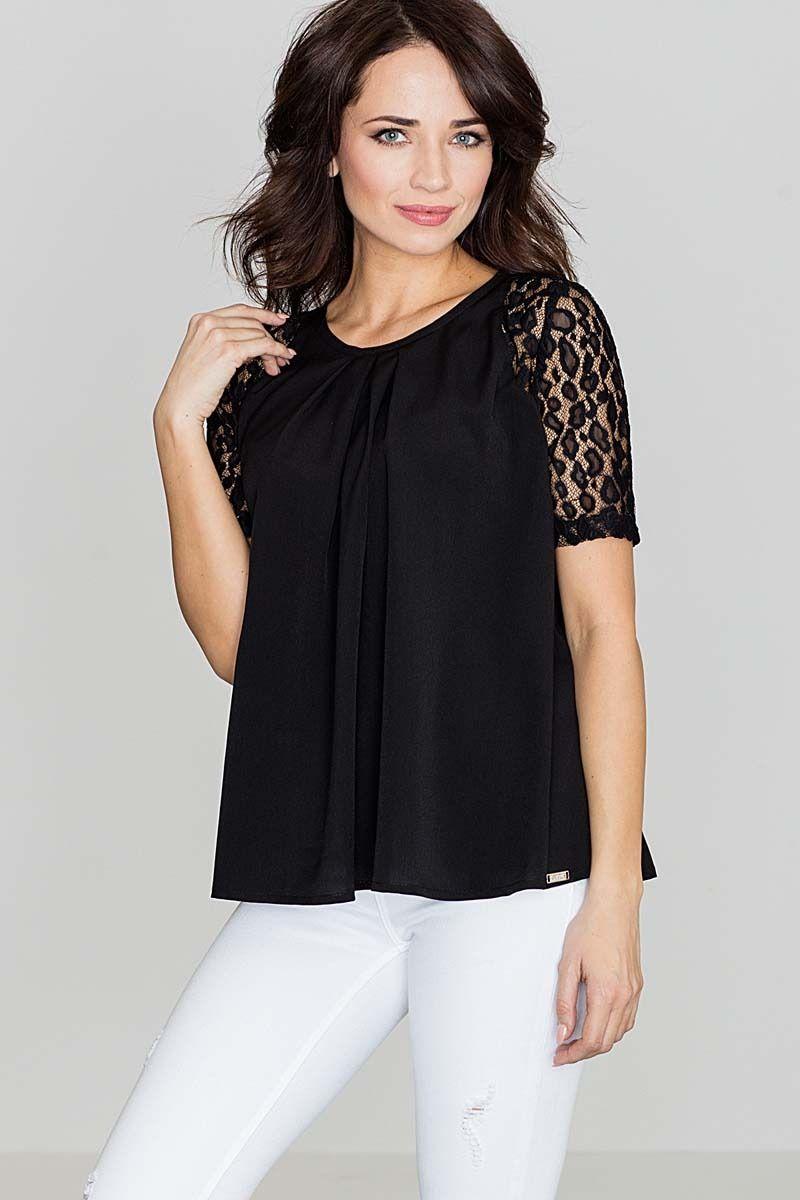 Czarna delikatna oversizowa bluzka z koronką
