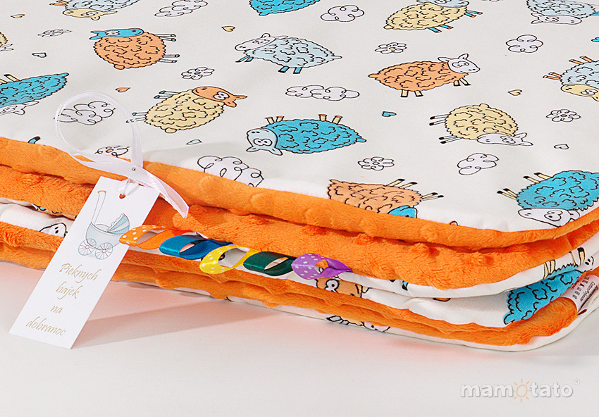 MAMO-TATO Komplet kocyk Minky do wózka + poduszka Szalone owieczki kremowe / pomarańczowe - ocieplony