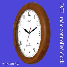 Zegar drewniany sterowany radiowo P1