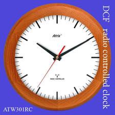 Zegar drewniany sterowany radiowo P2