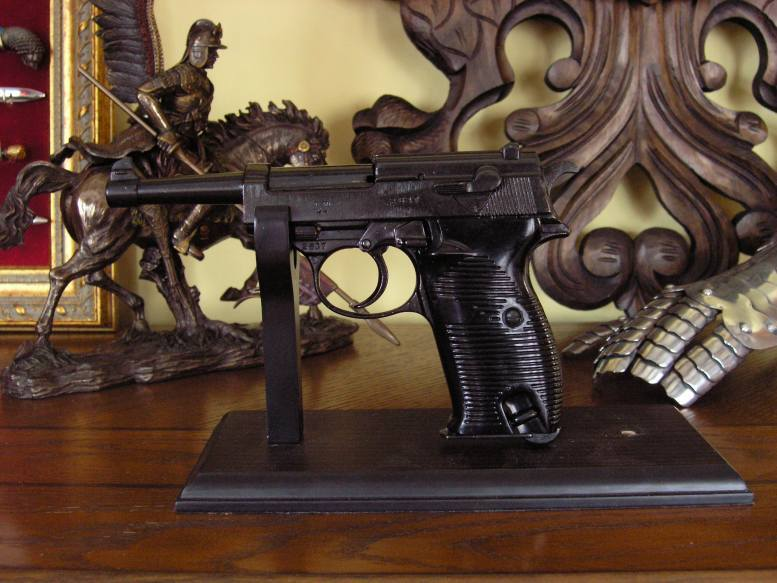 POSZUKIWANY PISTOLET WALTHER P38 (1081)