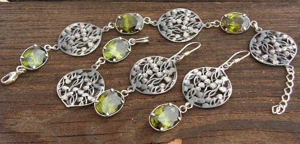 Ostunia - srebrny komplet z oliwinem