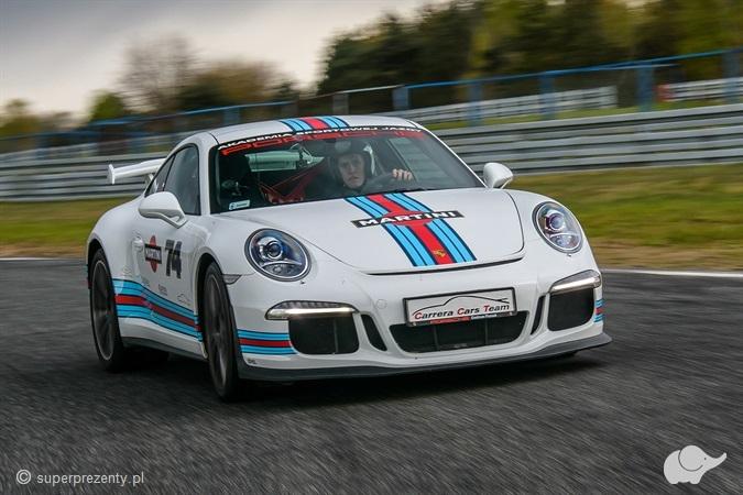 Jazda Porsche 911 (991) GT3 ulicami Poznania