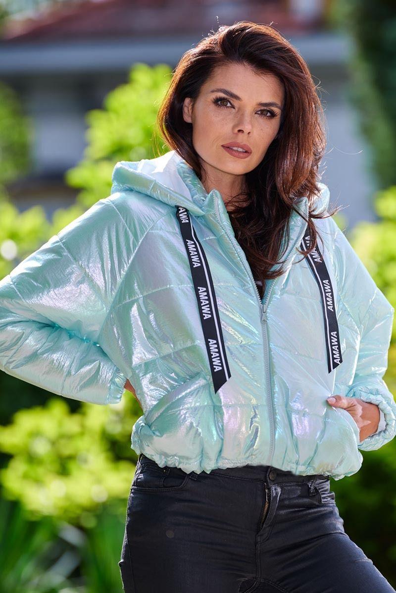 Krótka pikowana kurtka z holograficznego materiału - miętowa