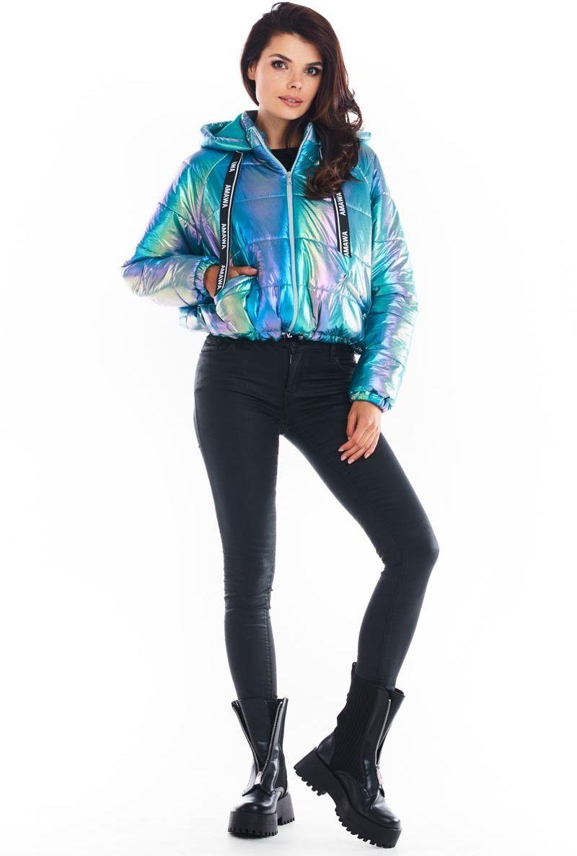 Krótka pikowana kurtka z holograficznego materiału - niebieska