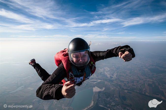 Samodzielny skok spadochronowy Konin