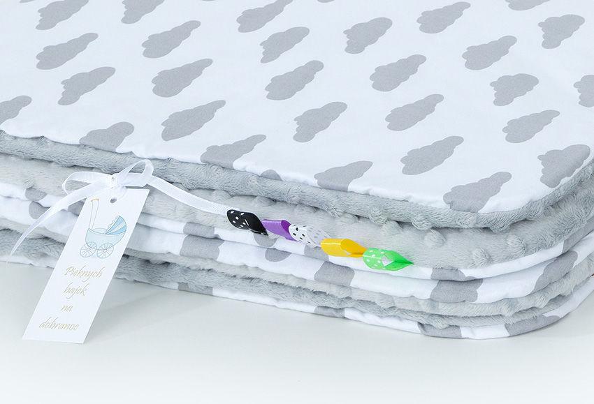 MAMO-TATO Kocyk Minky dla niemowląt i dzieci 75x100 Chmurki szare na bieli / jasny szary - letni