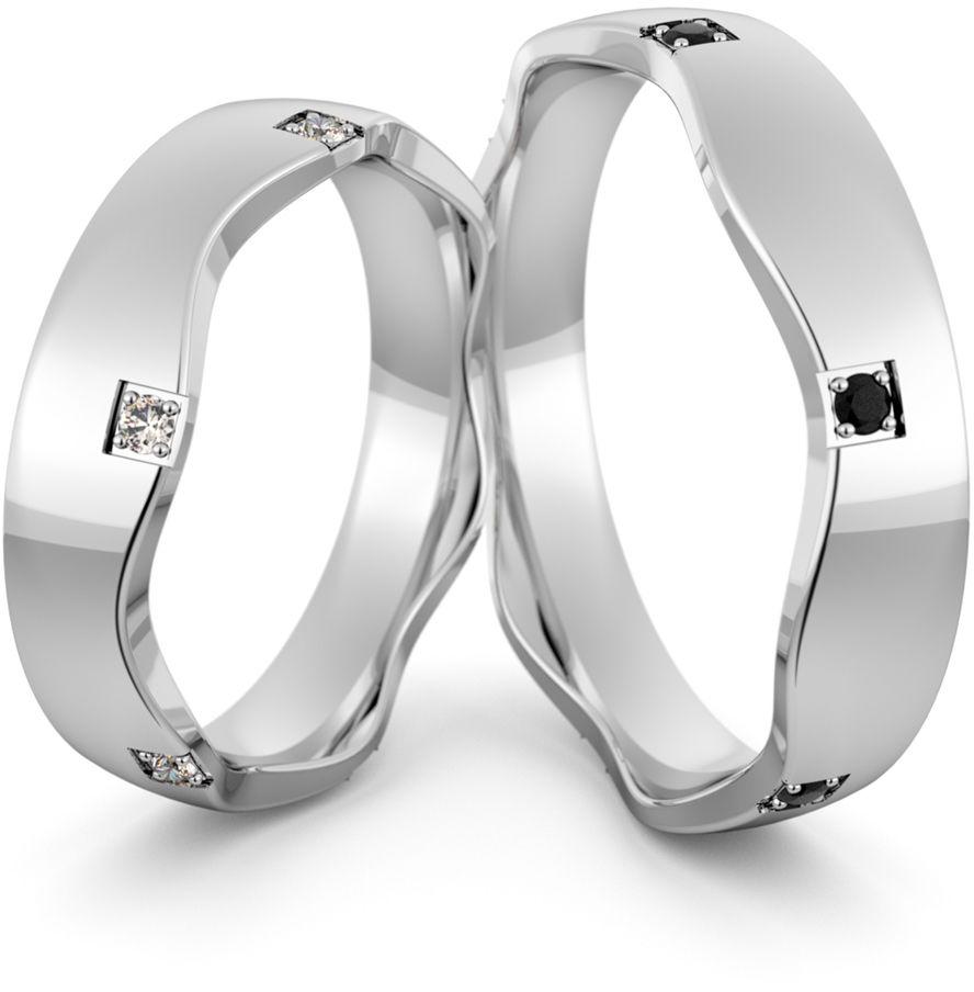 Obrączki srebrne falowane z biało czarnymi cyrkoniami - wzór Ag-465