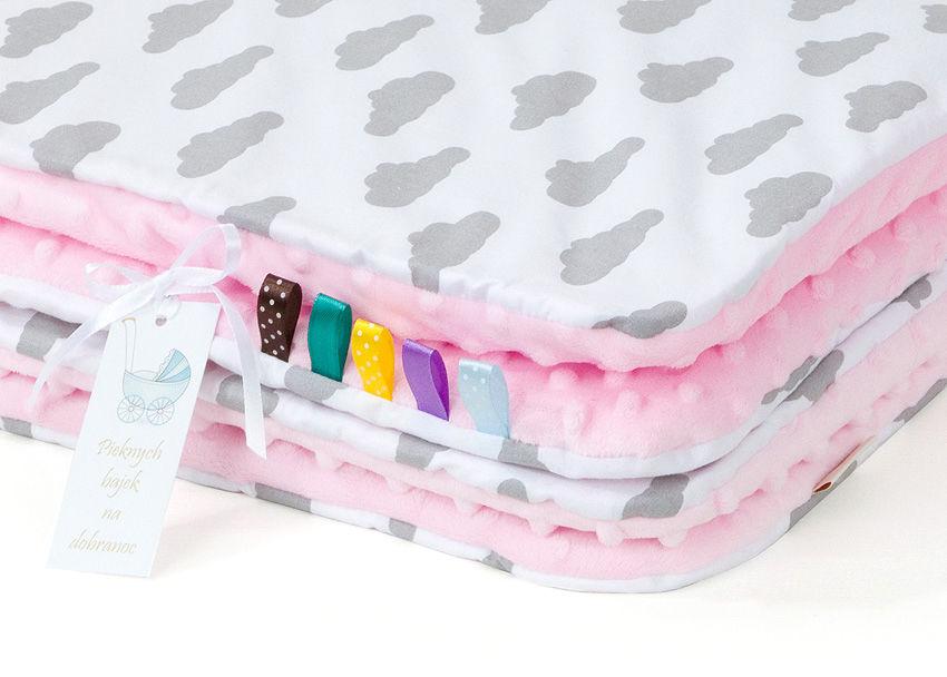 MAMO-TATO Kocyk Minky dla niemowląt i dzieci 75x100 Chmurki szare na bieli / jasny róż - letni