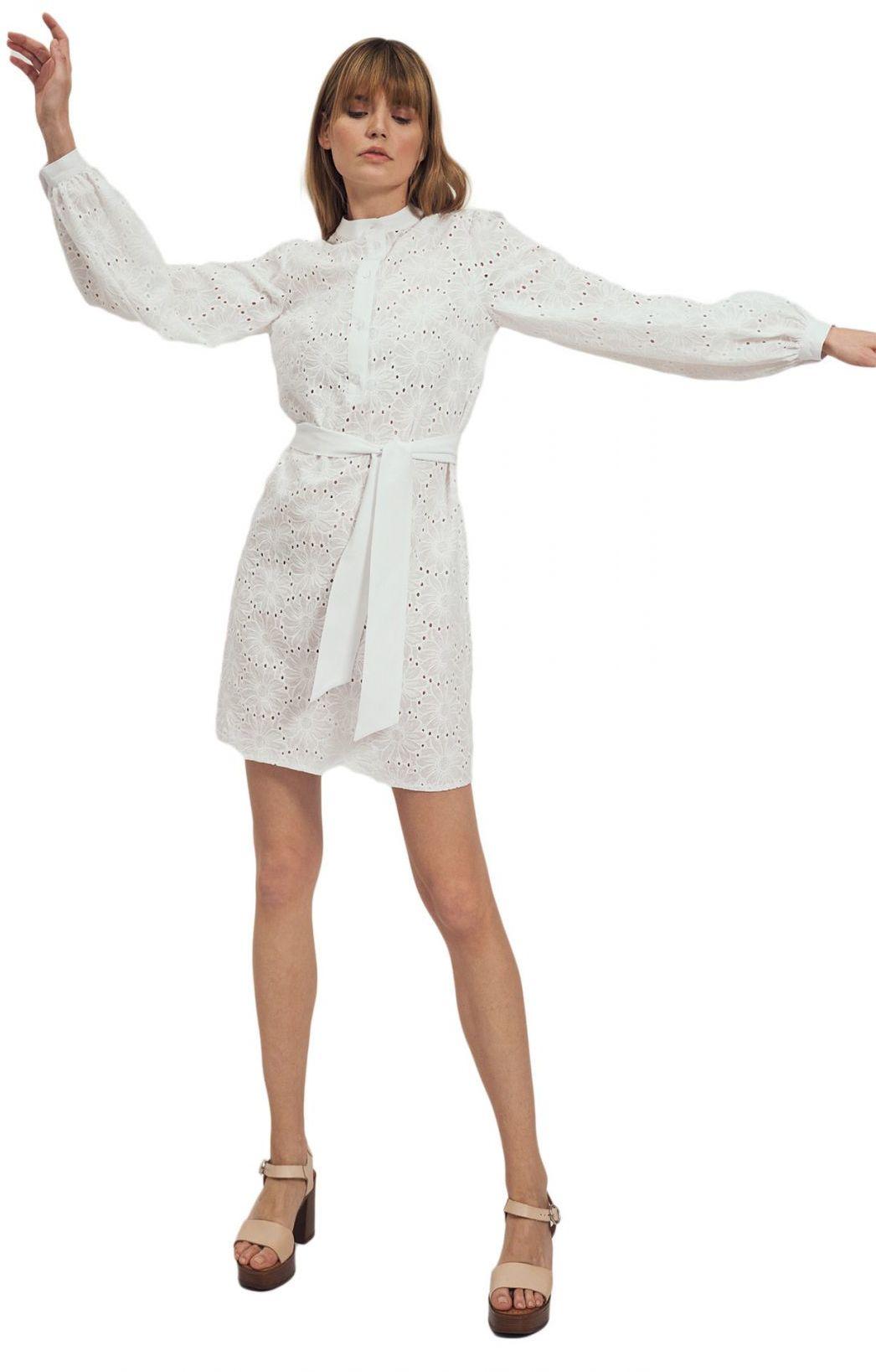 Biała koronkowa sukienka na stójce - S167