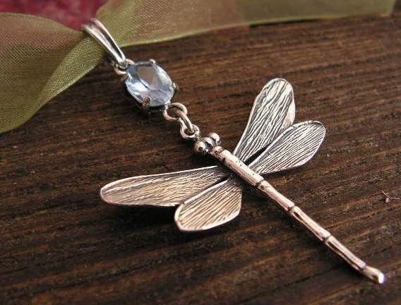 Ważki - srebrny wisiorek z naturalnym akwamarynem